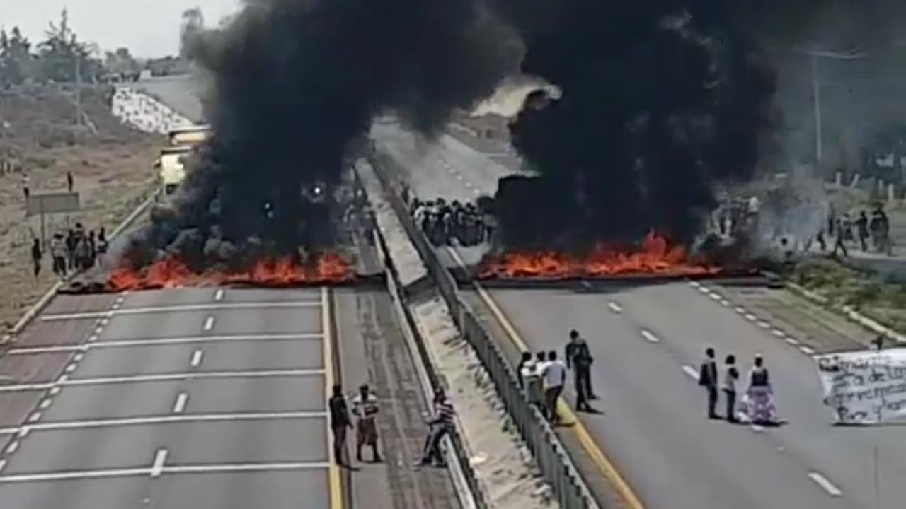 Combate a ordeña en ductos deja 10 muertos y bloqueo en vía Puebla-Orizaba