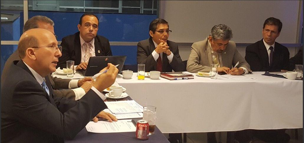 Javier Simán deja a la Asociación Salvadoreña de Industriales