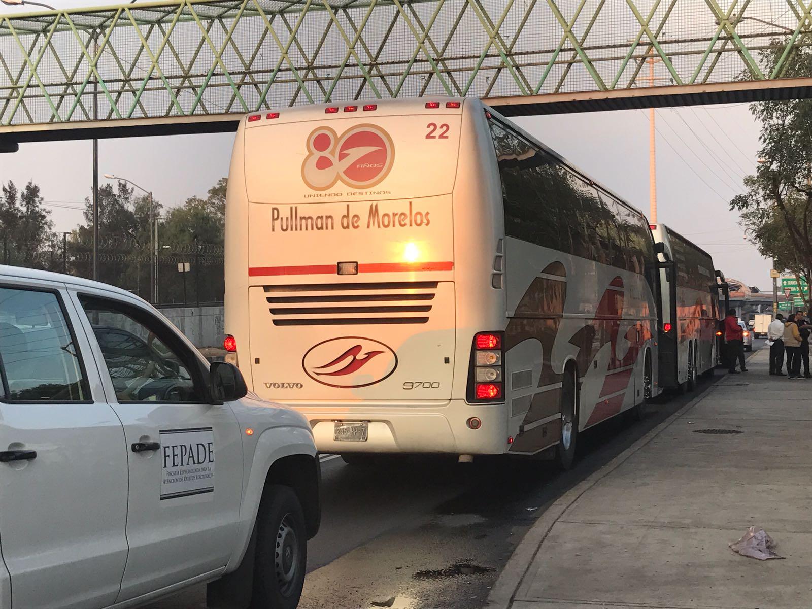 Detienen autobuses para acarreo en el Estado de México
