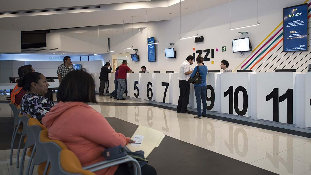 Cortes en rutas de salida a EU ocasionaron fallas en el servicio de Izzi