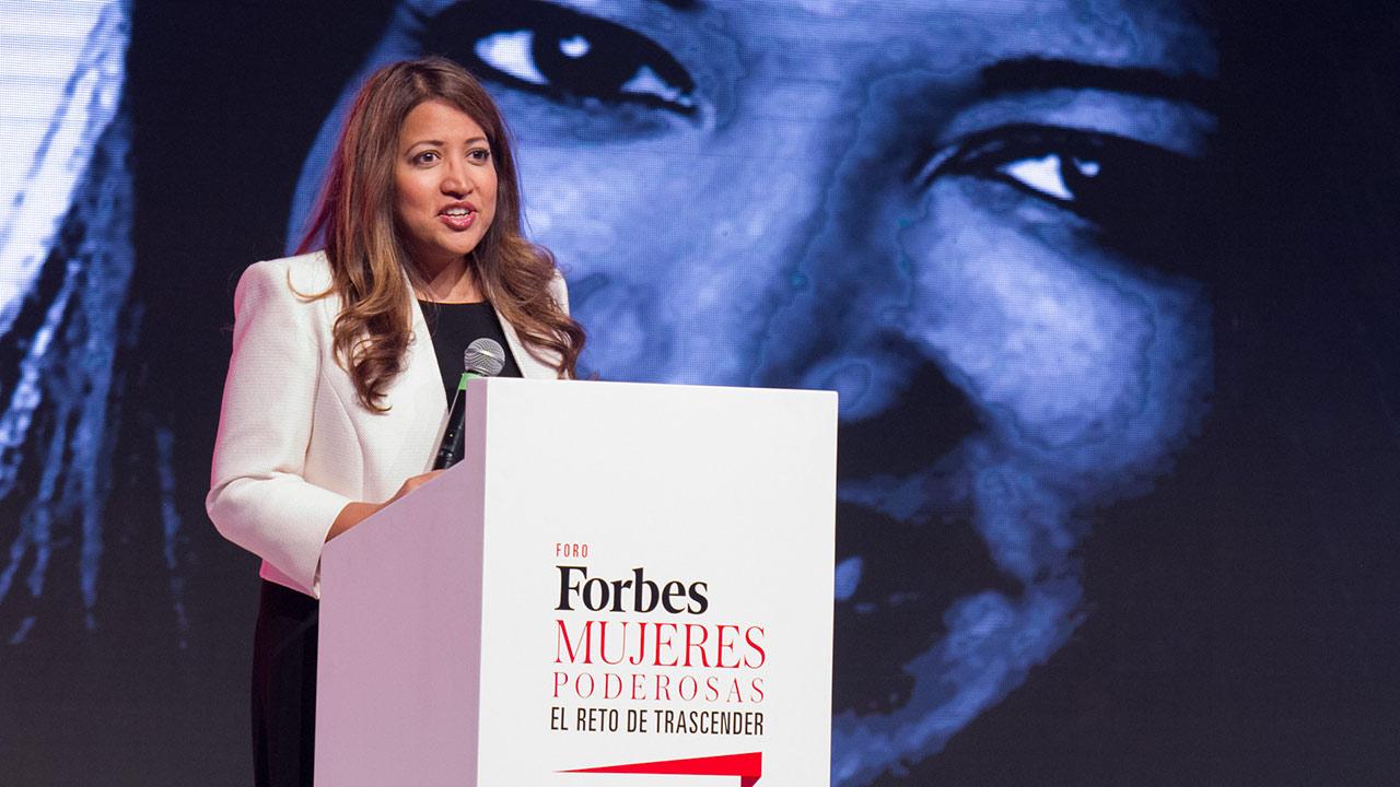 Enseñemos a las niñas a conseguir lo que deseen, sin limitantes: Ruma Bose