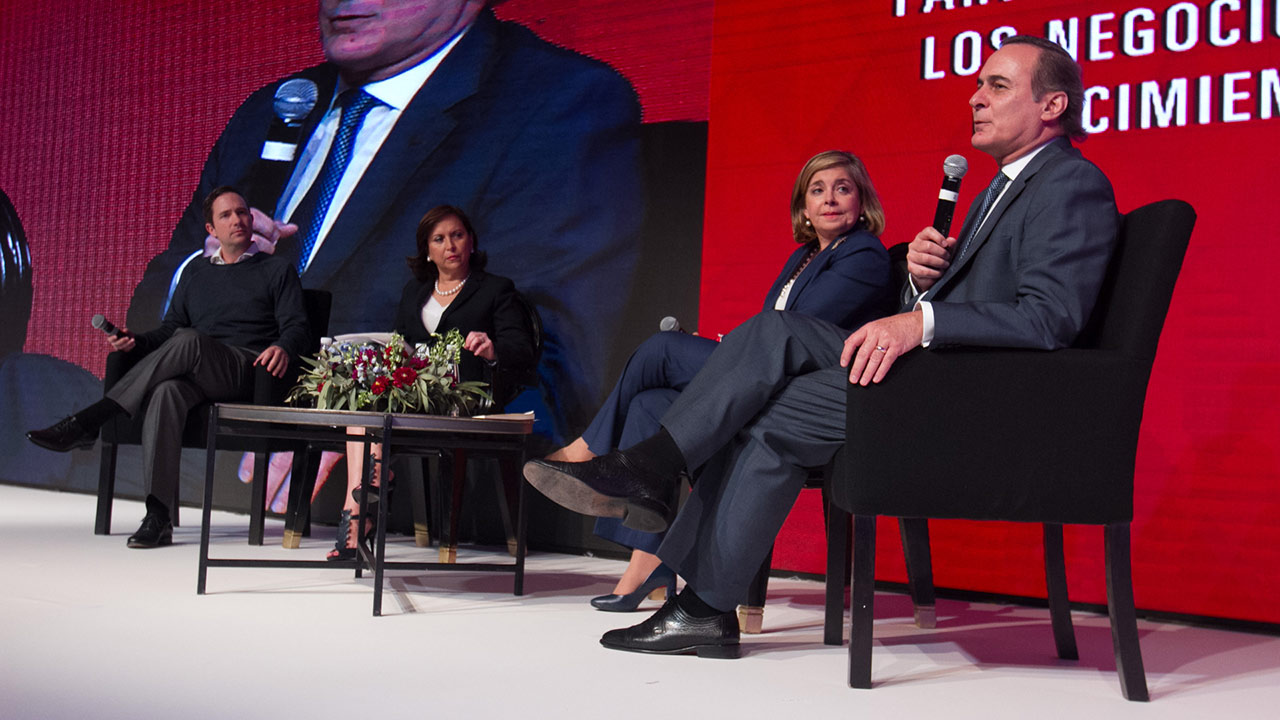 La inclusión femenina es un imperativo de negocio: Benjamín Salinas