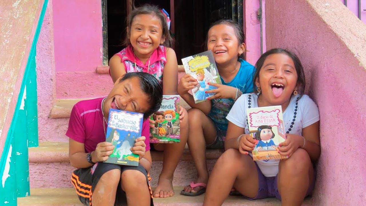 El papá que quiere llevar bibliotecas a las comunidades indígenas