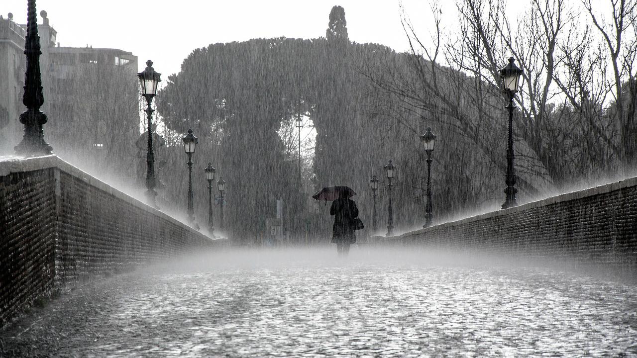 No culpes a la lluvia… por ella podría bajar el precio de la luz