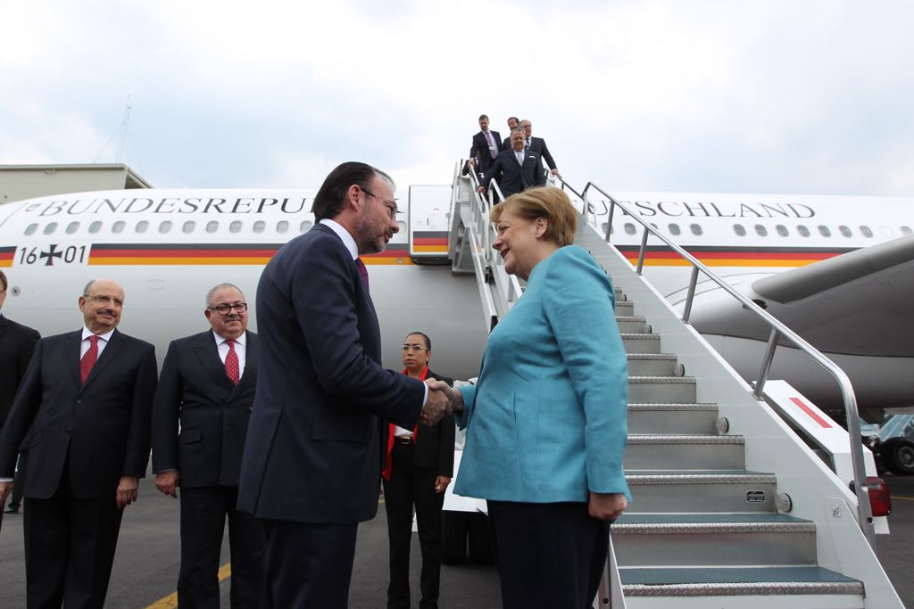Merkel y empresarios alemanes llegan a México para fortalecer inversiones