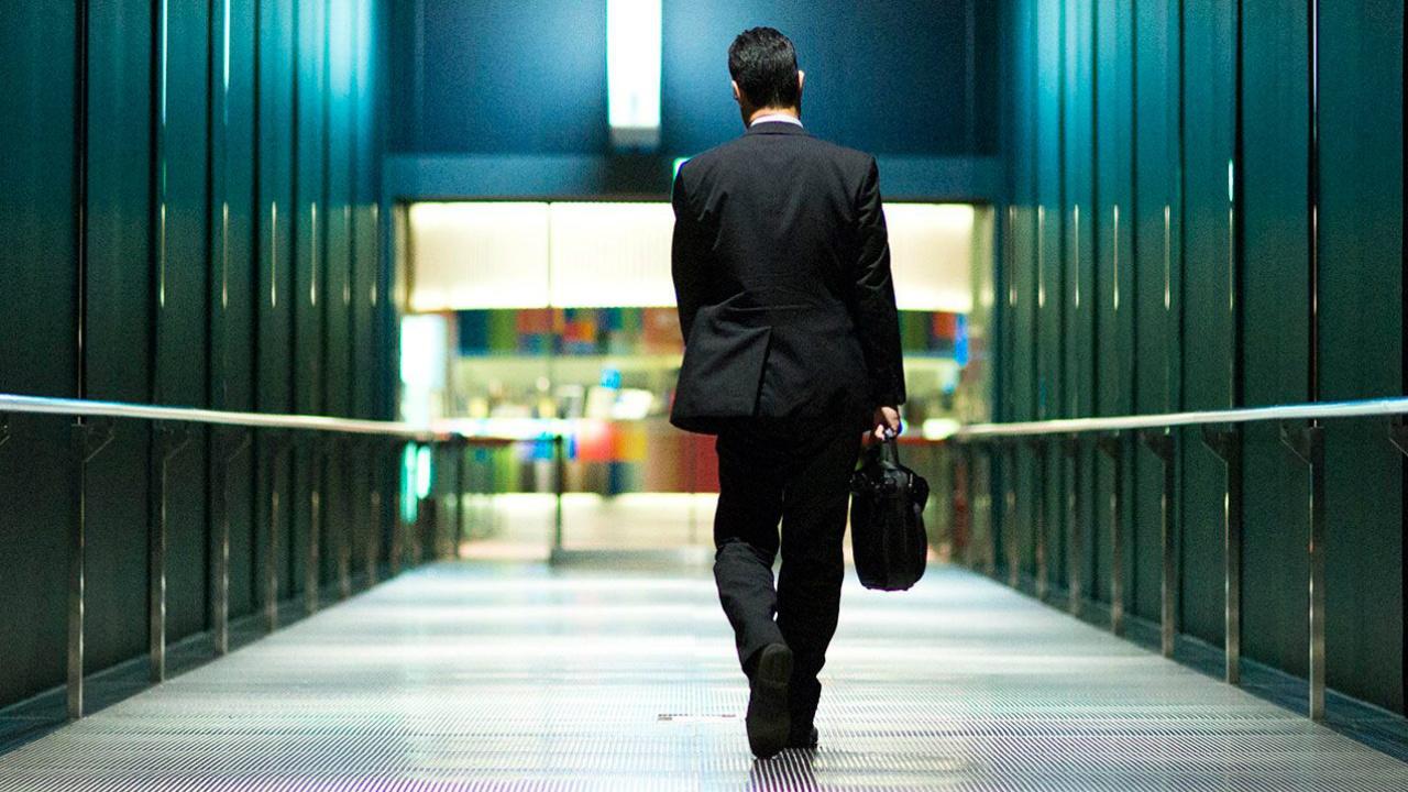 Empresa de EU indemnizará a trabajador inmigrante por discriminación
