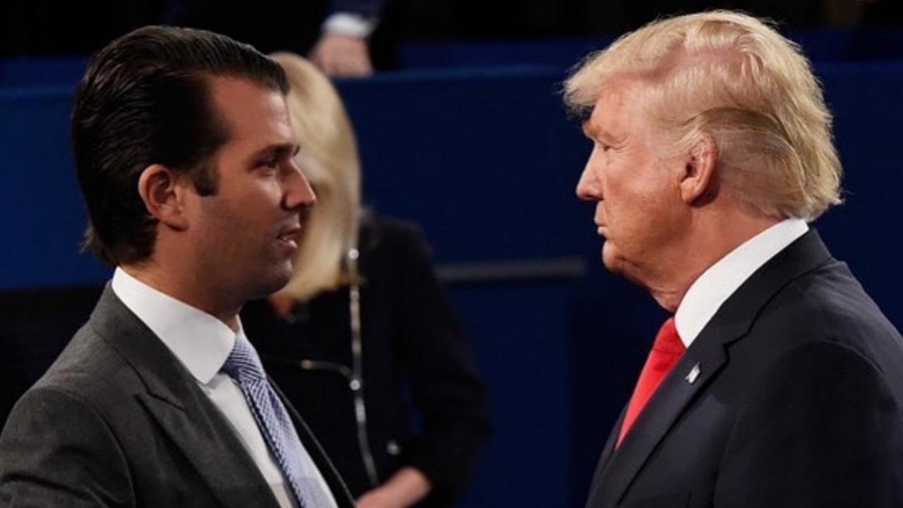 A tuitazos, hijo de Trump defiende a su padre