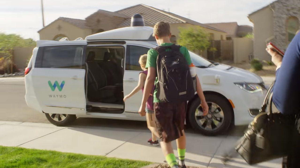 Waymo inicia su servicio de taxi autónomo y se adelanta a Uber y más rivales