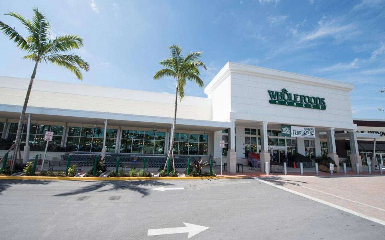 Amazon baja precios de Whole Foods en nueva ofensiva contra Walmart