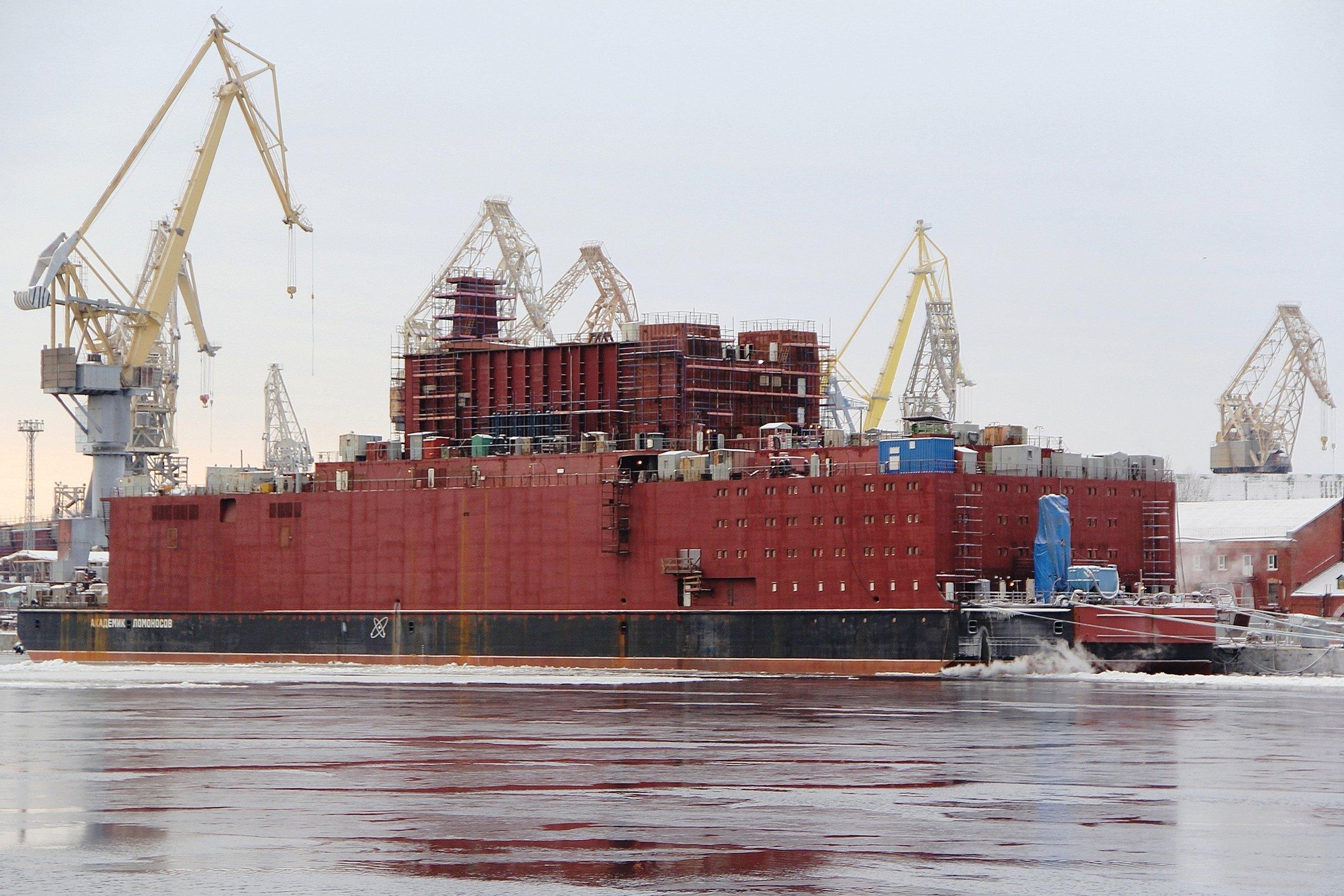 Rusia prepara la primera planta nuclear flotante