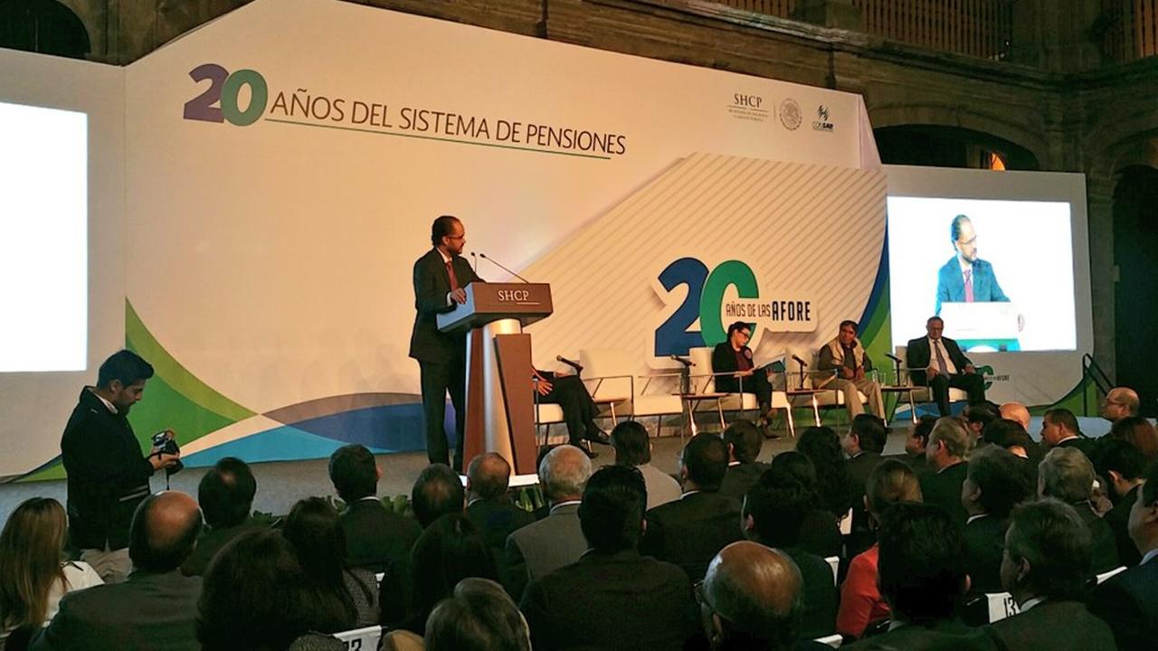 Consar va por flexibilización de inversión de Afores