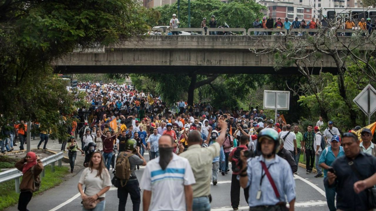 Continuarán mesas de diálogo entre venezolanos y dominicanos