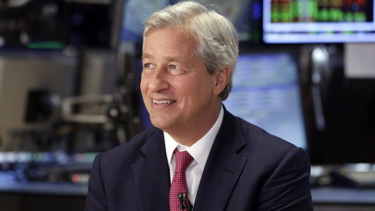 Ser estadounidense es casi una verguenza, dice CEO de JPMorgan