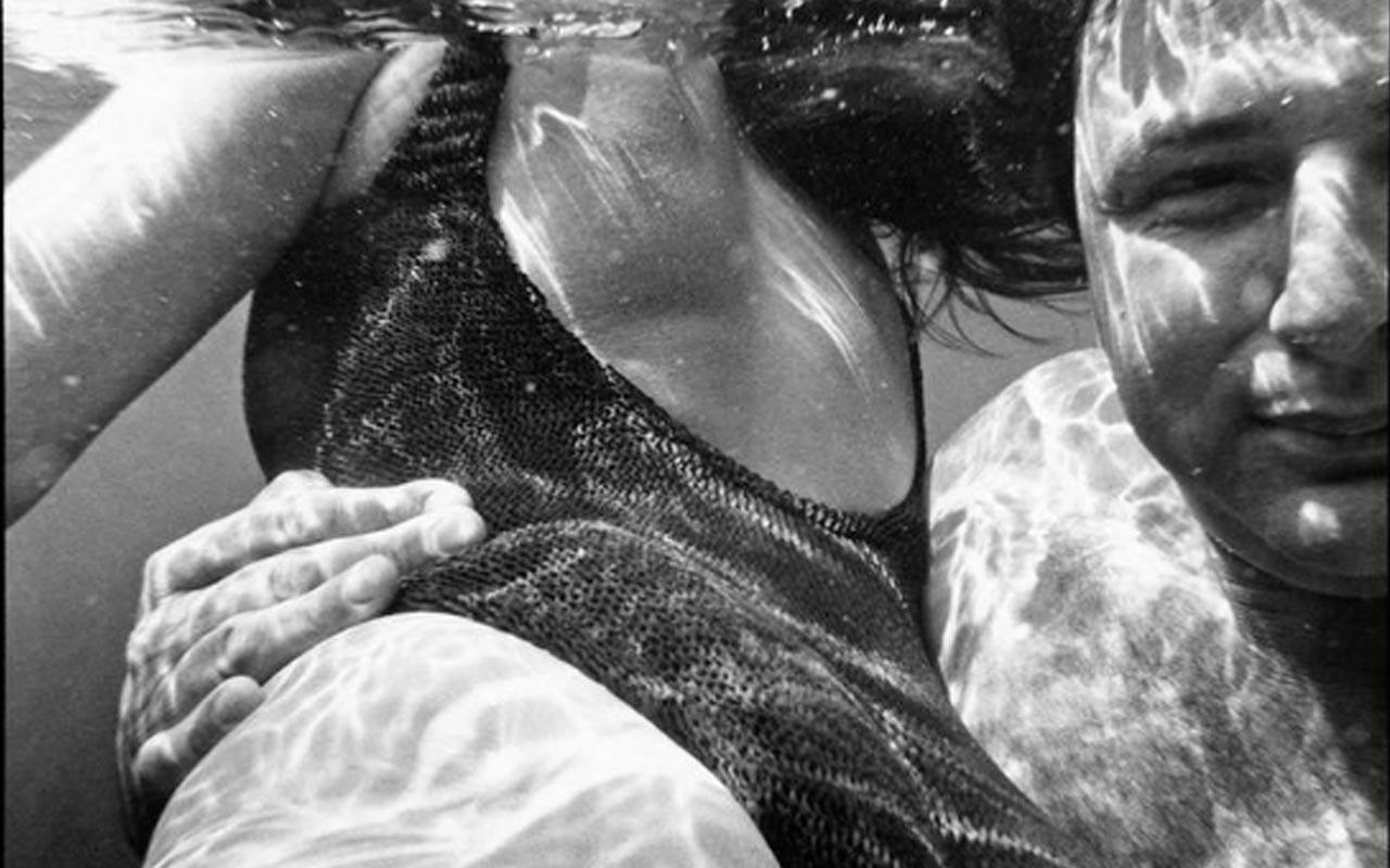 Undressed, la exposición que mezcla el arte, la moda y el erotismo