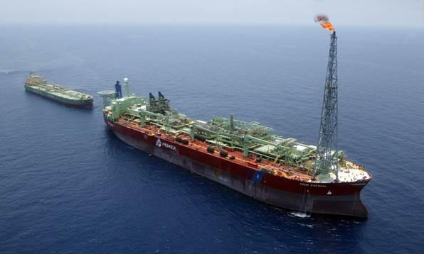 Pemex reducirá producción de petróleo por mantenimiento a buque