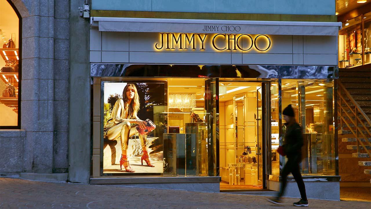Michael Kors comprará al fabricante de zapatos de lujo Jimmy Choo
