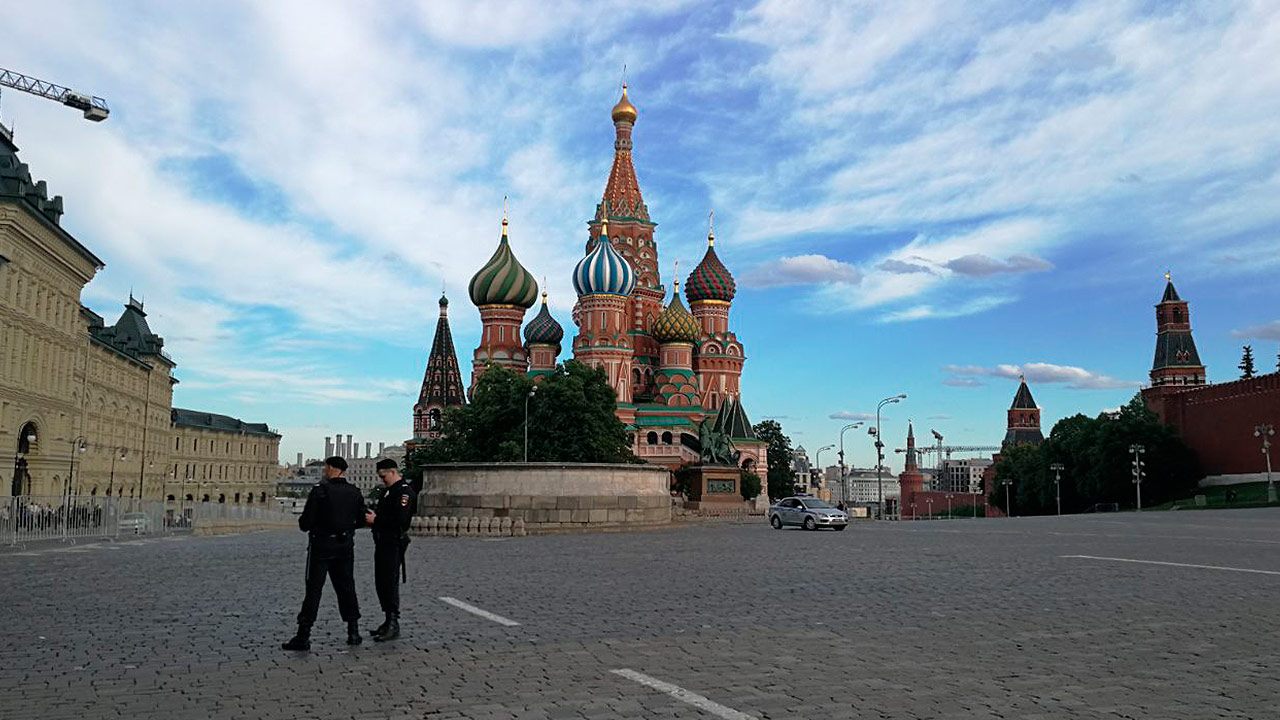 Taxi embiste a multitud en Moscú; dos mexicanas heridas