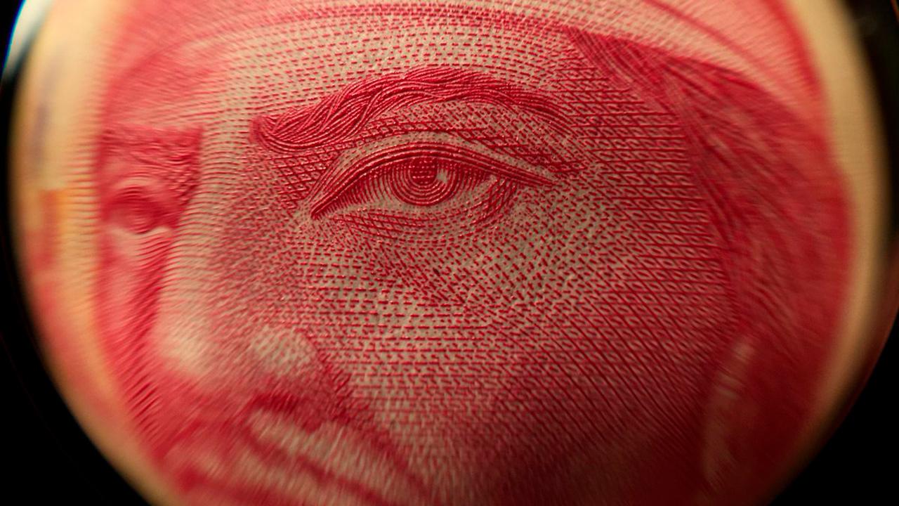 Peso cae tras comentarios de Jerome Powell sobre tasas de interés