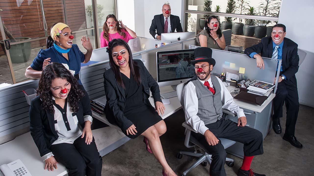 Este emprendedor combate una epidemia de mal humor empresarial