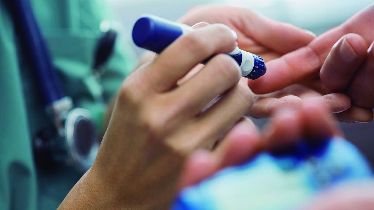 Casi sin medicamentos apenas sobreviven clínicas y hospitales públicos