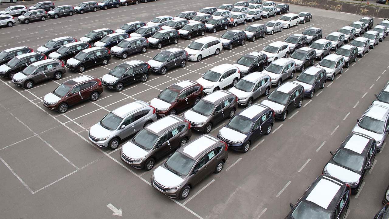 Disminuyen 6.4% las ventas de vehículos ligeros en julio