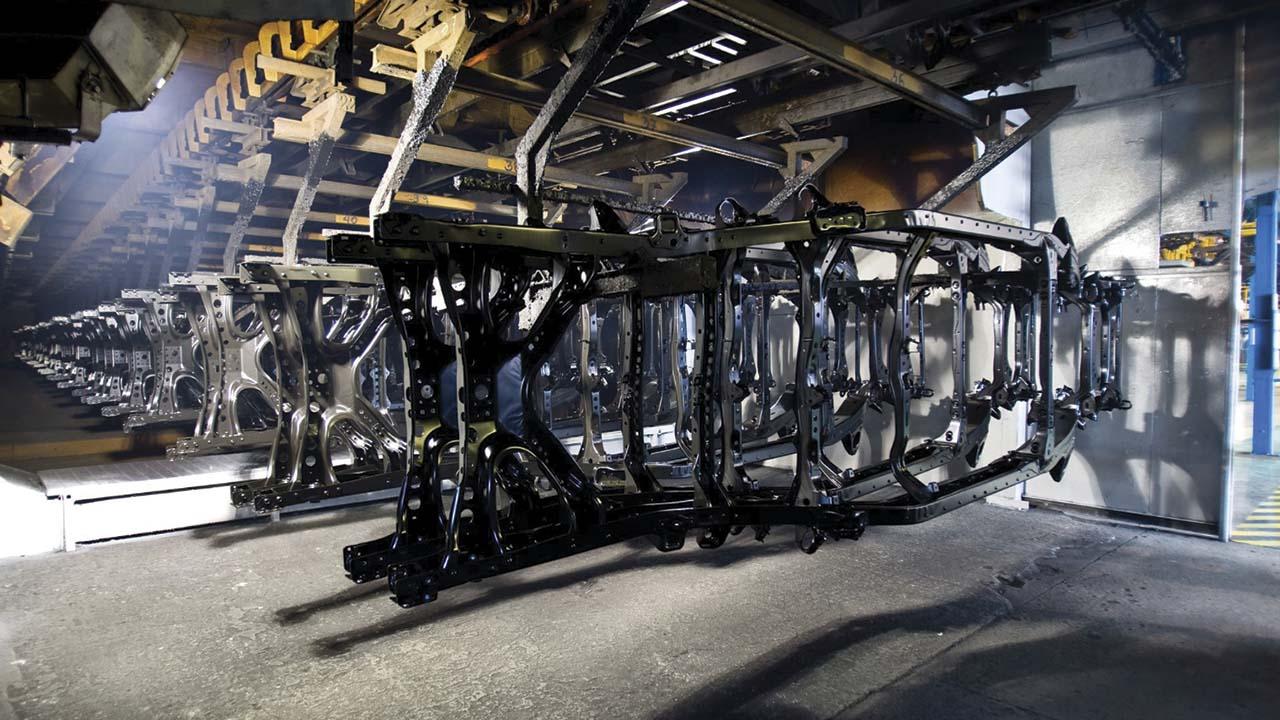 Metales caen a mínimos en meses por anuncio de aranceles
