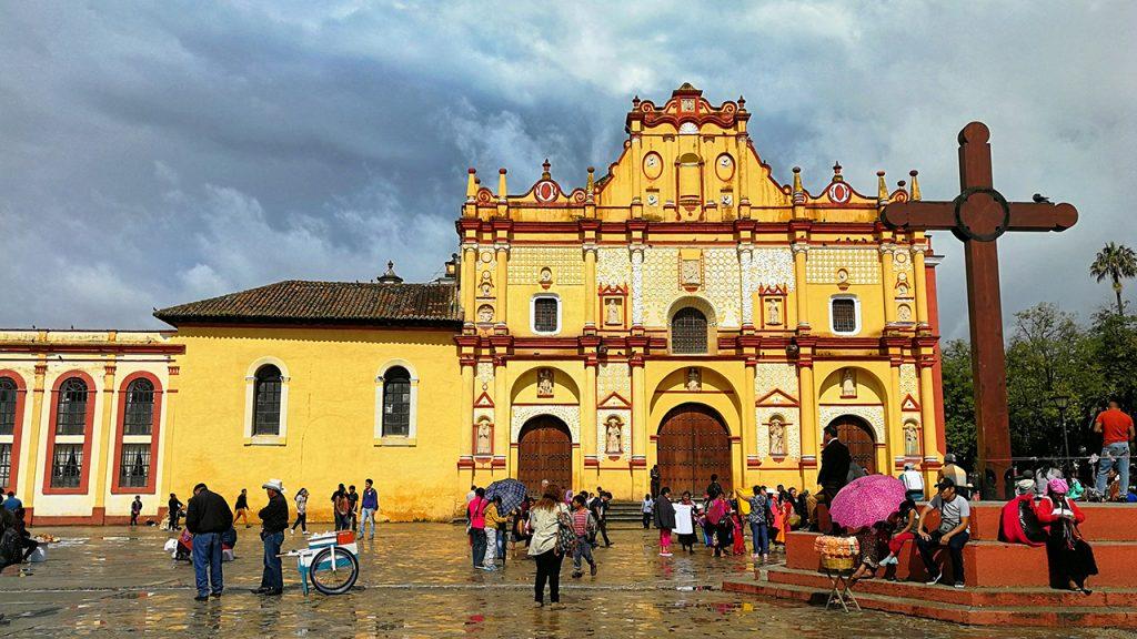 iglesia en el centro histórico de San Cristobal de las Casas, uno de los Pueblos Mágicos de Chiapas