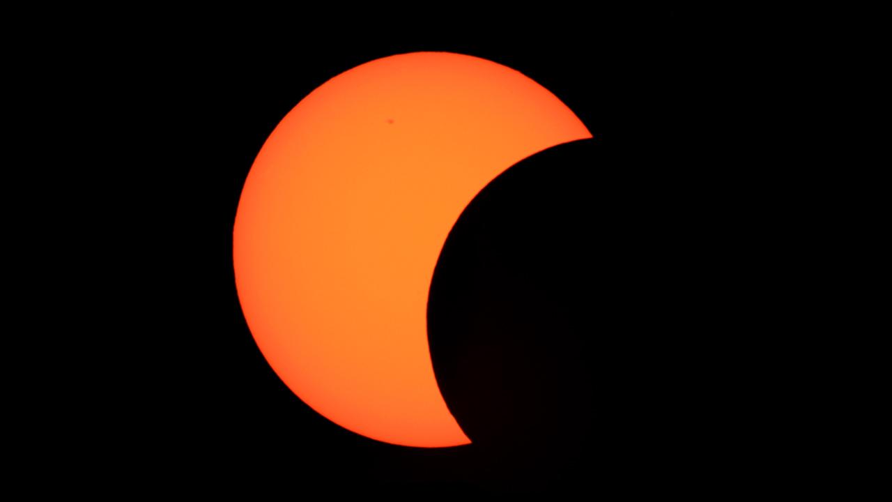 Instalarán telescopios para observar el eclipse en la Benito Juárez