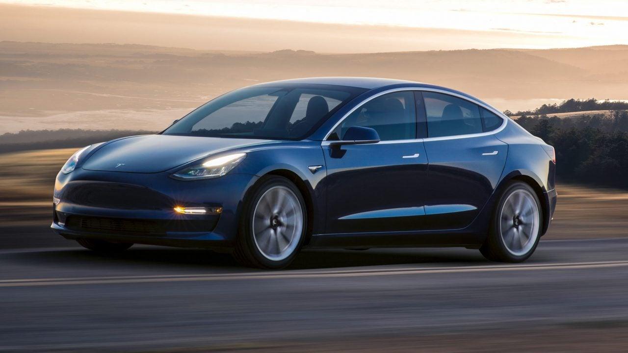 Tesla mantiene su objetivo de producción para el Model 3