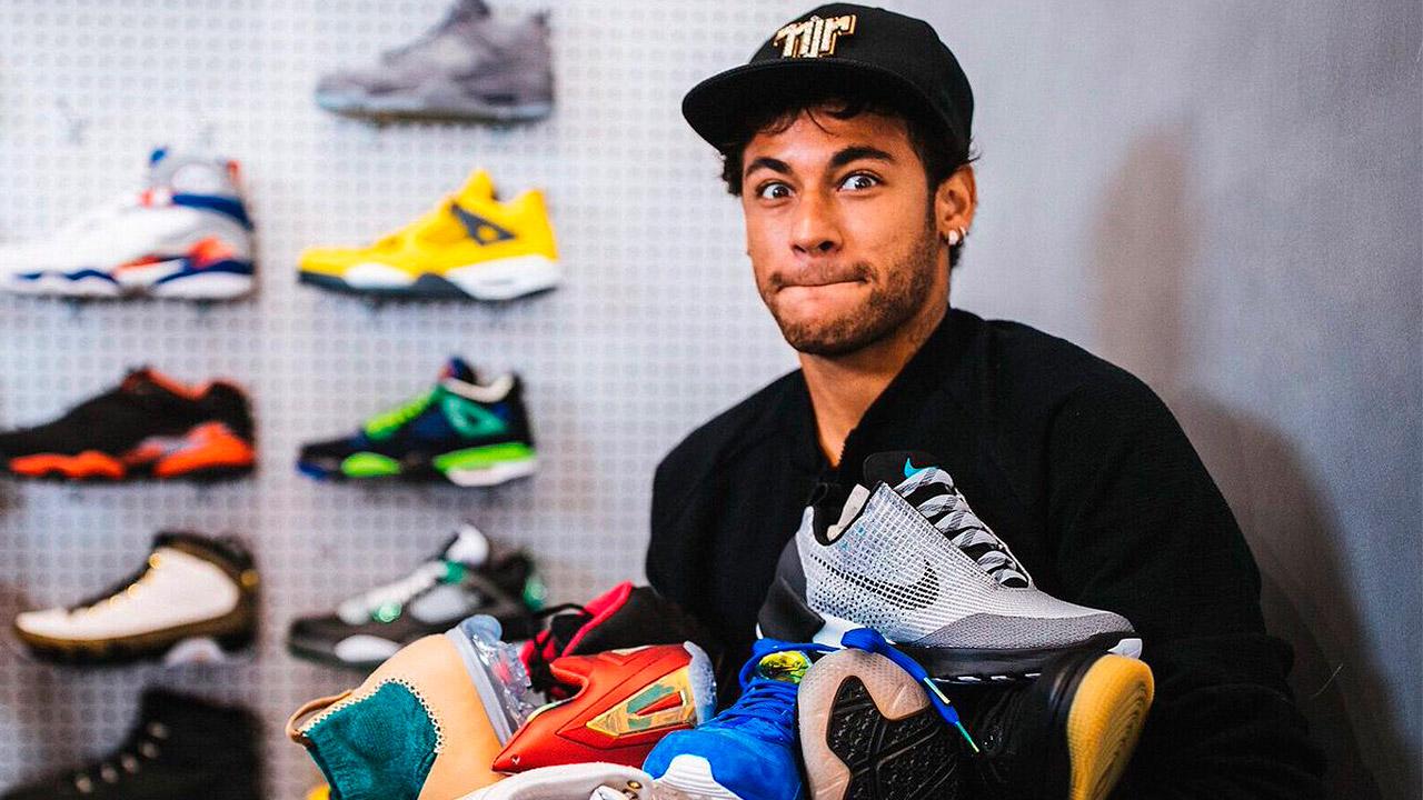 Esto podrías comprar con los 263 mdd que pagó el PSG por Neymar