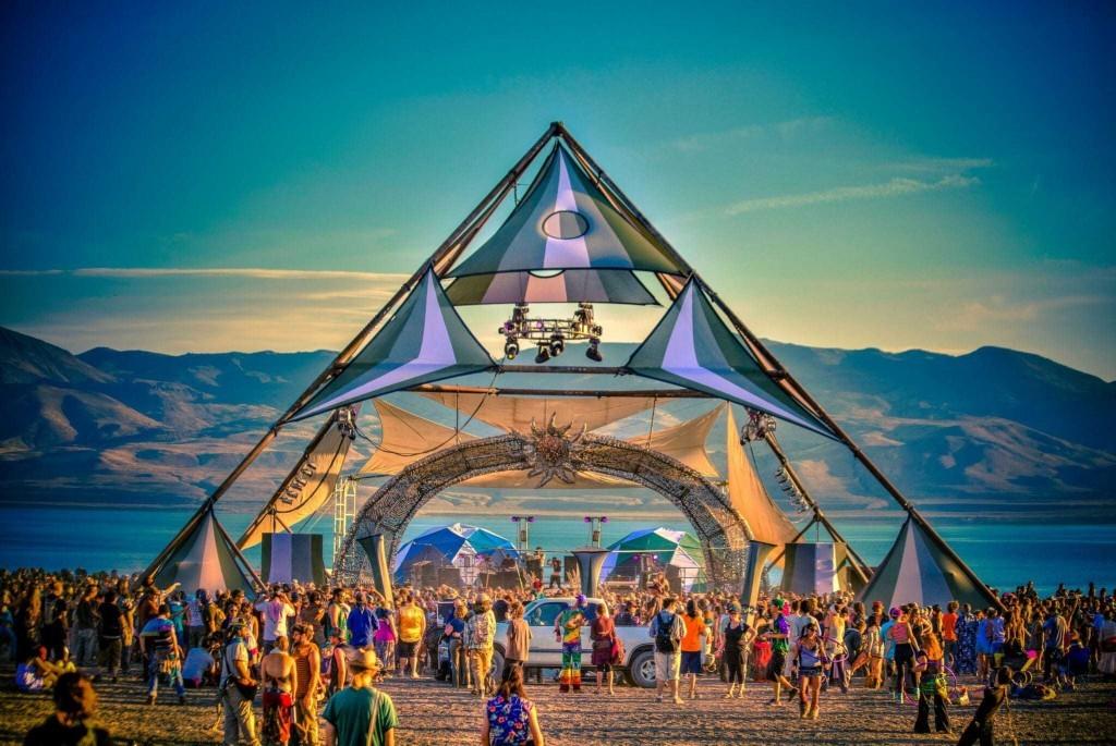Para celebrar el eclipse solar, este festival une música, wellness y rituales