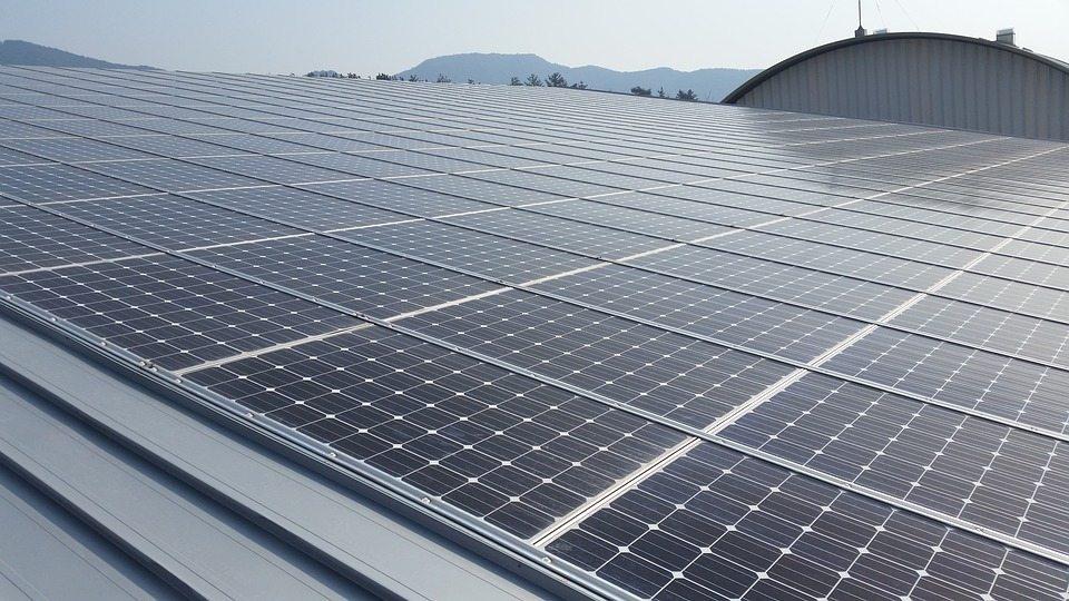 La energía fotovoltaica es una fuente de energía renovable.