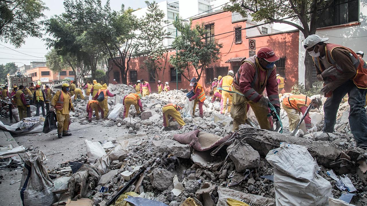 Saldo de fallecidos por el sismo aumenta a 361