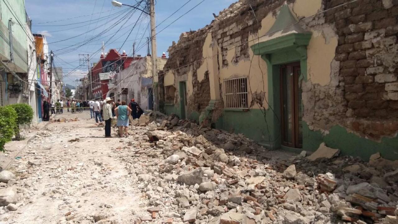 Peña recorre un Jojutla devastado por el sismo