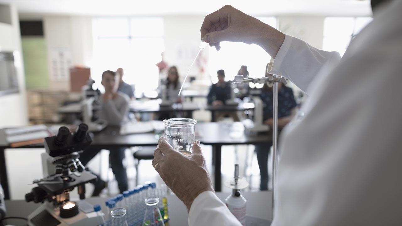 Industria química, catalizador de comunidades