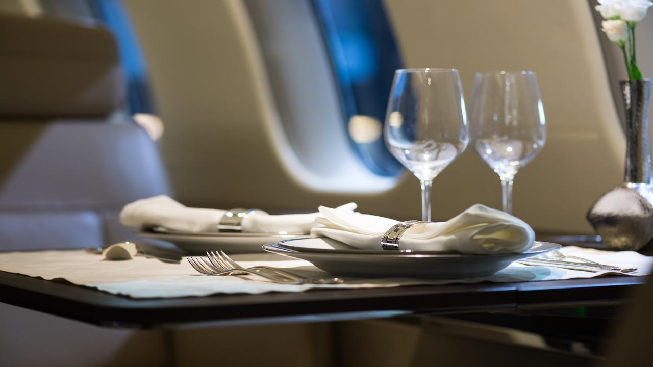 Los 6 beneficios de viajar en primera clase