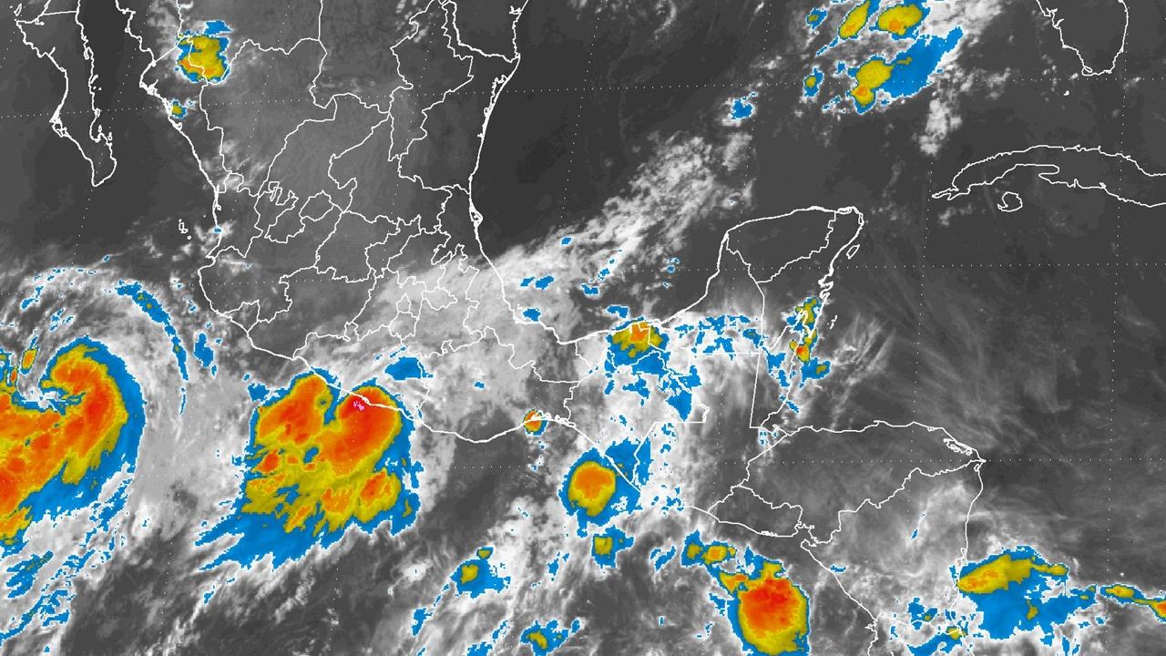Tormenta Max evoluciona a huracán; amenaza a Guerrero