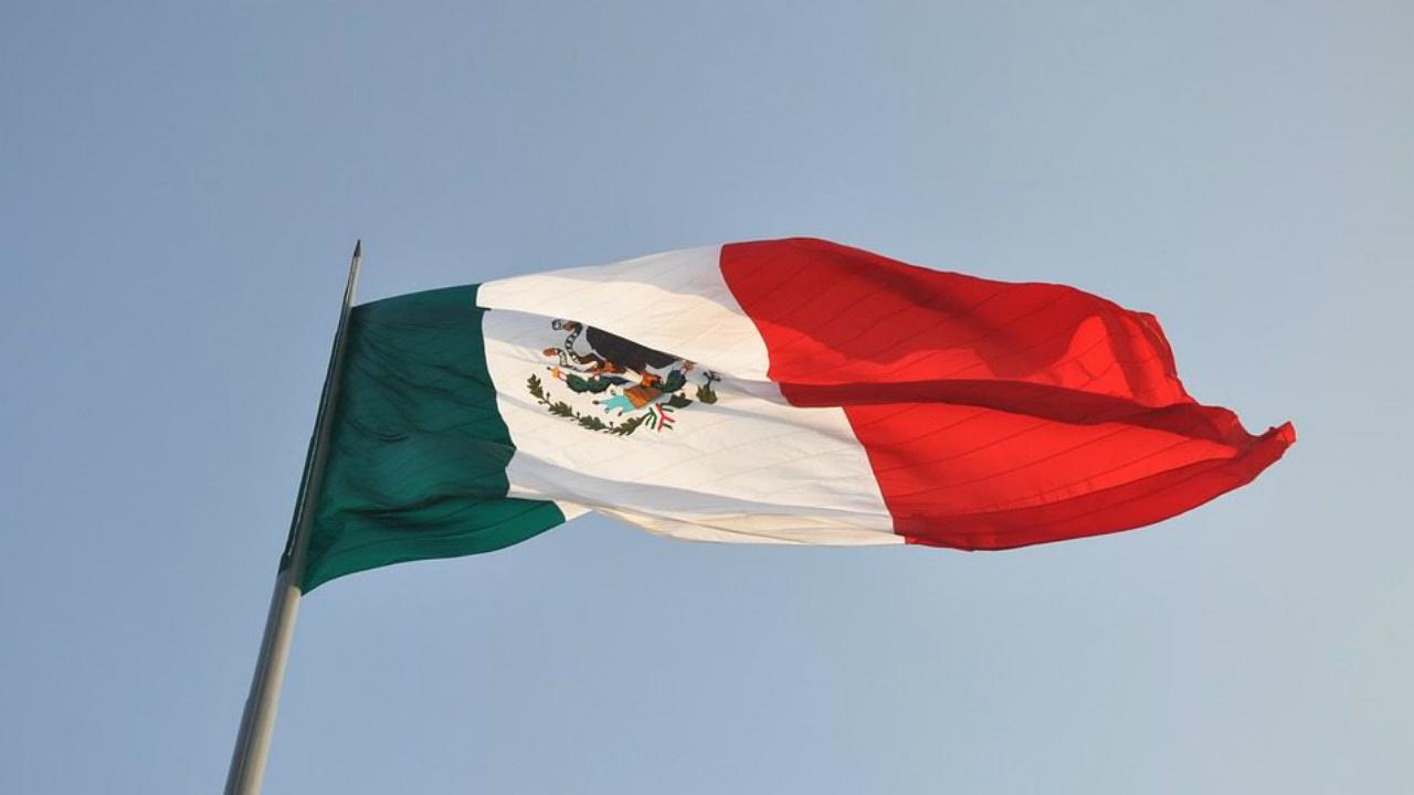 México paga 553,300 millones de pesos por intereses de su deuda