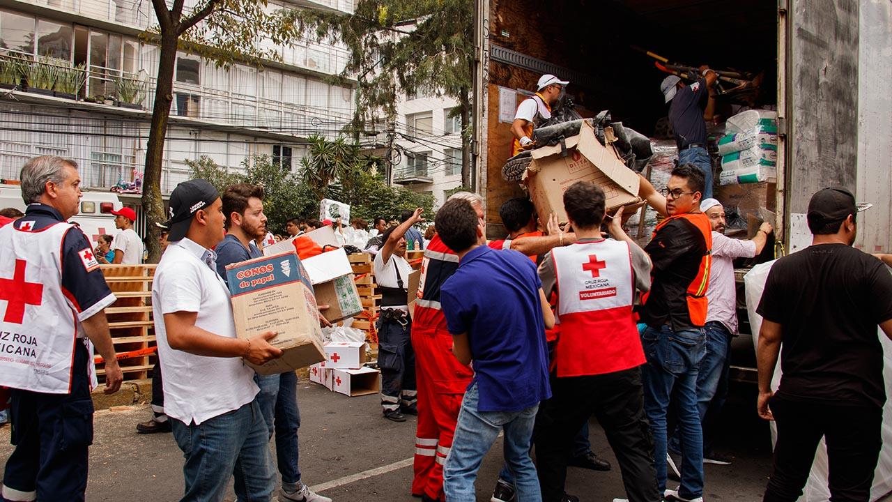Centro de acopio de la Cruz Roja en Polanco. (Foto: Raúl Martínez/Forbes.)
