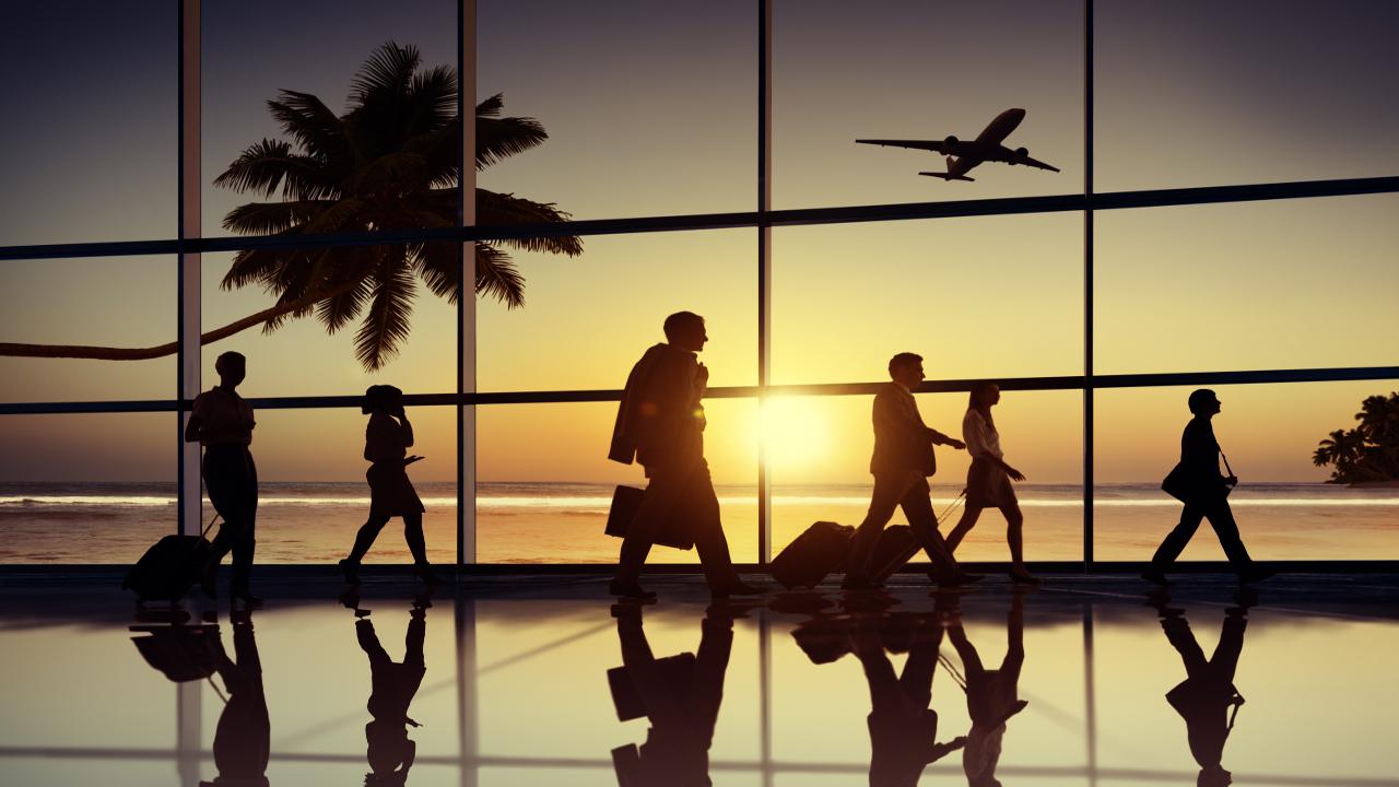 ¿Viaje en puerta? Descubre cuál es el peor momento del día para comprar tus vuelos