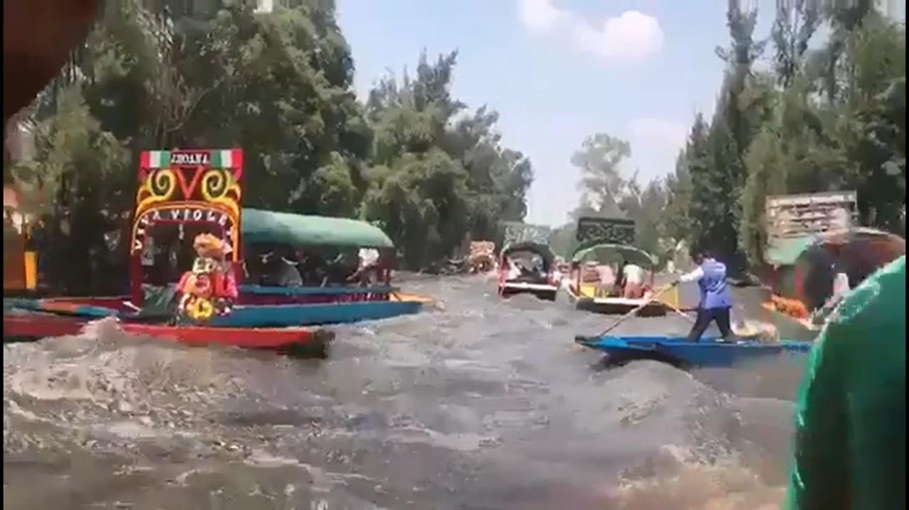 Usuarios de Twitter y Facebook piden ayuda por daños en Xochimilco