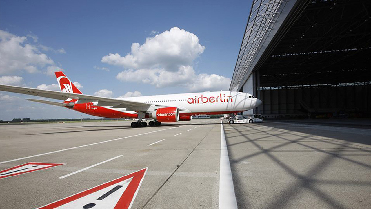 Dueño de British Airways confirma oferta por Air Berlin
