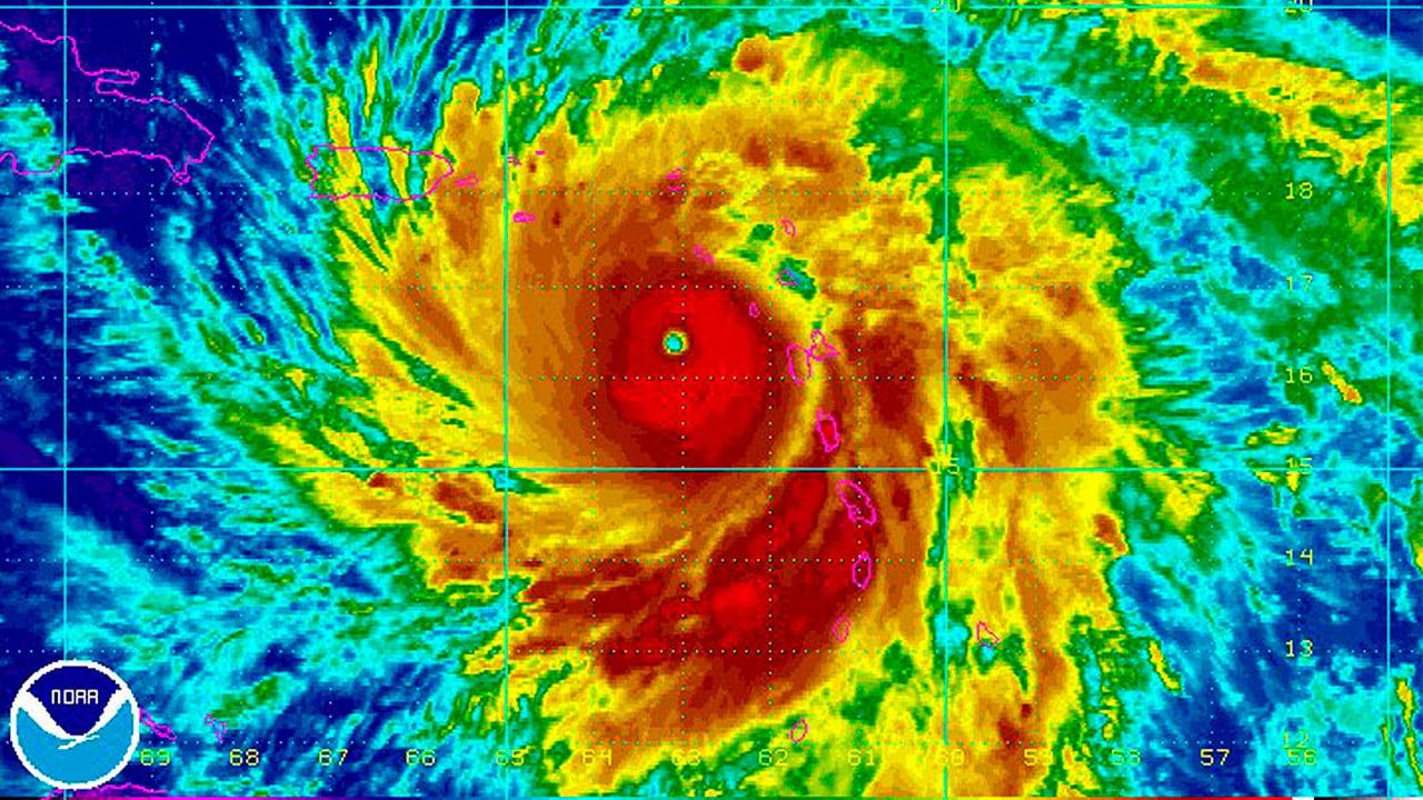 Huracán María se debilita; será tormenta este martes