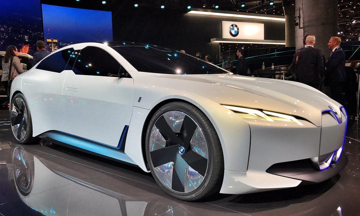 BMW alista su primer vehículo eléctrico y autónomo para 2021