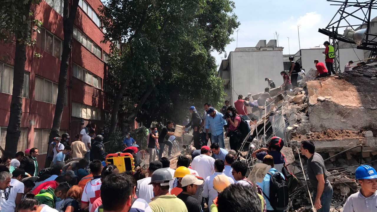Suman 30 personas muertas tras terremoto en la Ciudad de México