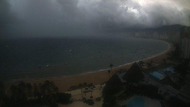 huracán max acapulco