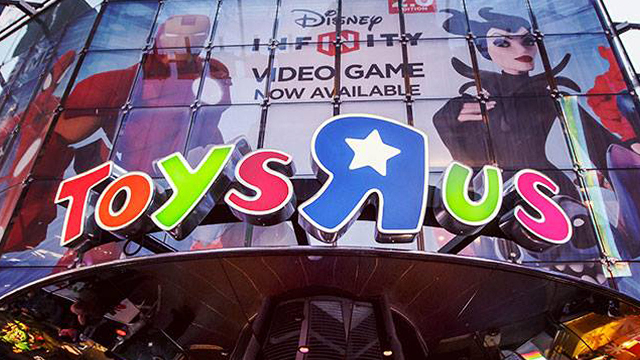Toys 'R' Us pierde ante rivales online y se declara en bancarrota