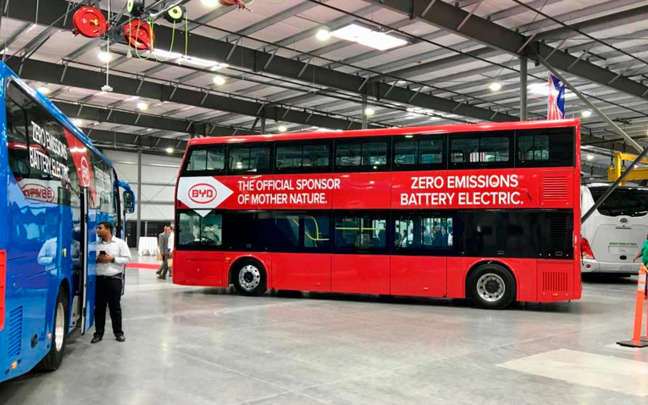 Un autobús quiere ganar la carrera del transporte eléctrico a Tesla