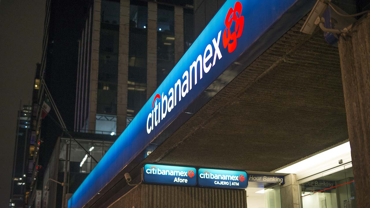 Citibanamex reporta alza en utilidades de 5% y caída de 2.4% en crédito