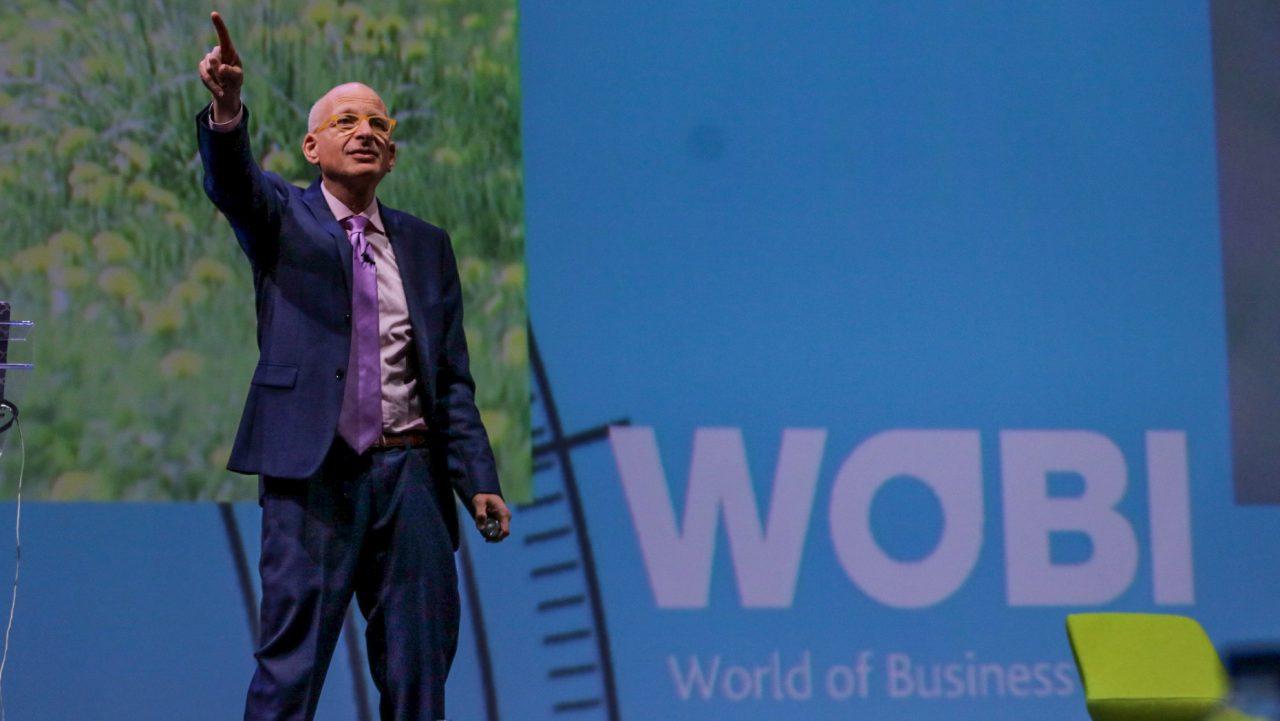 Es hora de eliminar lo perfecto y crear lo imposible: Seth Godin